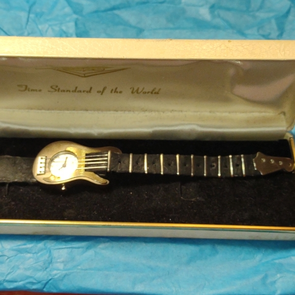 Very old vintage working guitar watch~collectible